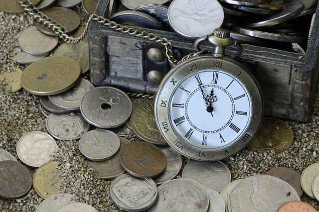 時計とコイン