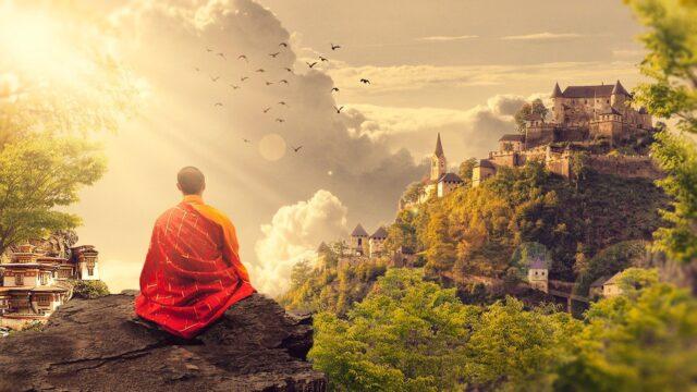 山奥で瞑想する人