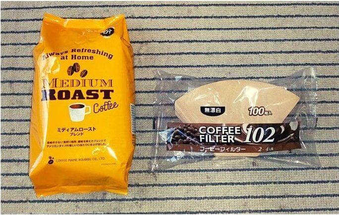 コーヒー(ミディアムロースト)とフィルター